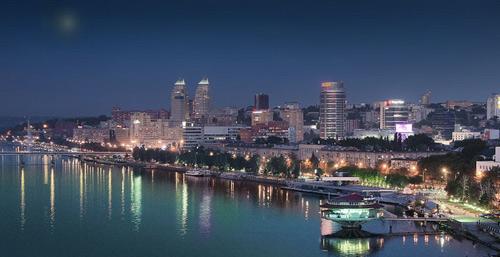 ночной-Днепропетровск-с-видом-на-реку